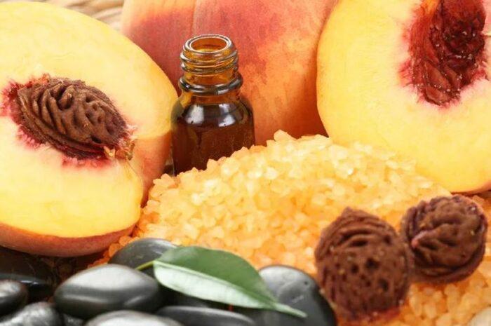 Применение персикового масла для ресниц и бровей