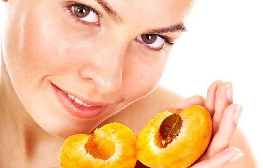 Применение абрикосового масла для лица