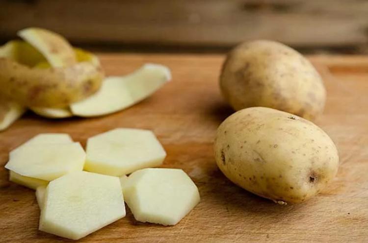Маска для век с картошкой