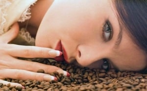 Как кофе влияет на кожу лица