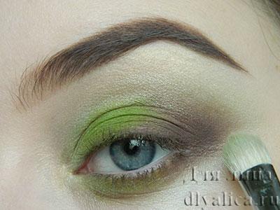 Растушевка зеленым перламутром