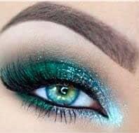 Зеленый макияж для серых и голубых глаз